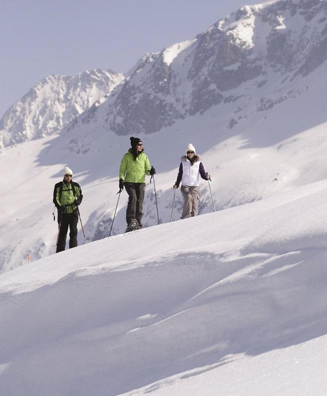 Alpe-dHuez-randonnee_raquettes_01_laurent_salino