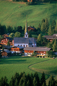Alpbach-village-church