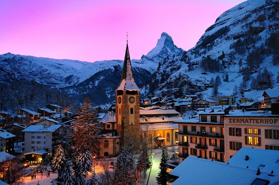Zermatterhof Back Winter