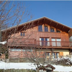 Chalet in French Alps – Savoie – Lovely Individual Chalet. 4 Bedrooms. Sauna ,Hot Tub. Amazing Views. Vulmix, 4km to Bourg St Maurice.